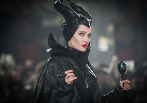Angelina-Jolie-Become-the-Evil-Queen-of-the-New-Movie-of-DIsney-600x420