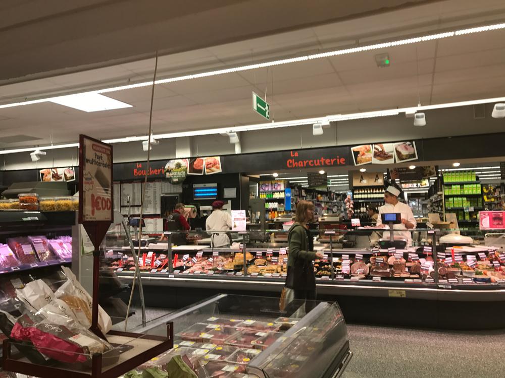 フランス旅03 ストラスブールのスーパーでお買い物、チーズやアルザスワインが安い