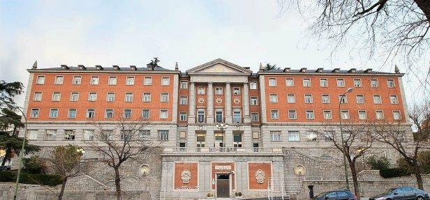 Colegio_Mayor_de_San_Pablo_(Madrid)_01