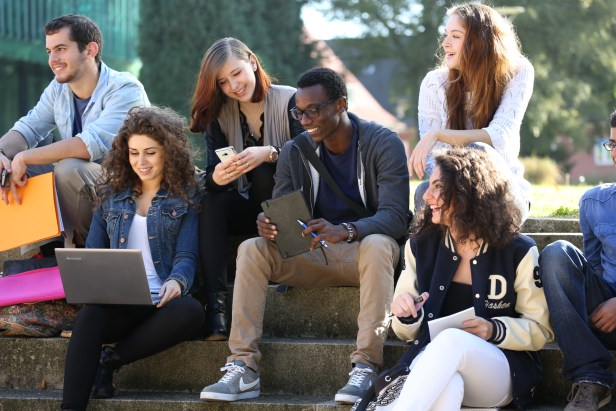 jacobs_university_group_of_students_01