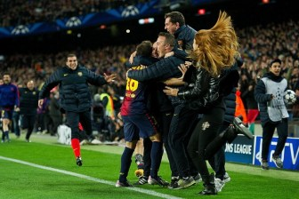 Barcelona v AC Milan - UEFA Champions League Round of 16