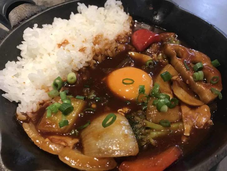 牛スジ煮込み彩り野菜欧風カレー
