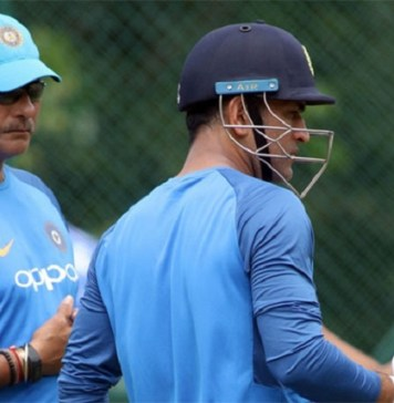 Indian Team coach Praised For Dhoni   Ravi Shastri   India   Mahendra Singh Dhoni   Latest Sports News   Chennai Super Kings