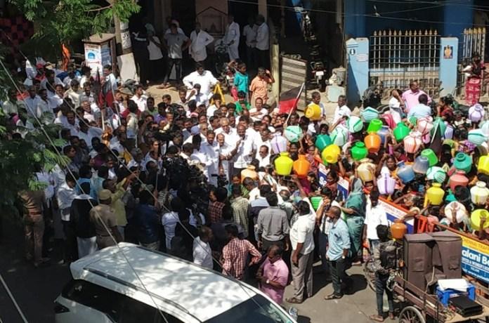 DMK Protest : DMK, MKStalin, DMKProtest, Water, WaterScarcity, Vellore, jolarpettai, Political News, Tamil nadu, Politics, BJP