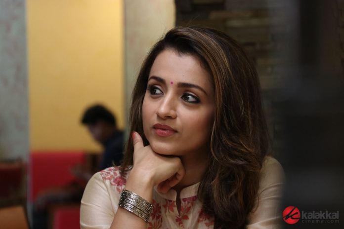 Paramapadham Vilayattu Movie Photos