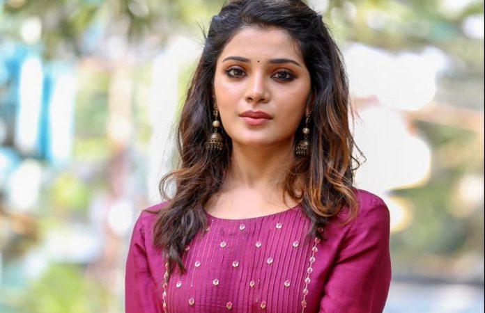 Latest pics of Actress Aathmika