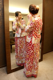Kalamakeup bride Scarlett getting ready for Chinese Tea Ceremony at JW Marriott hotel, H.K.