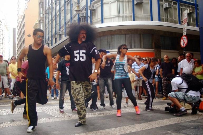 Nelson Triunfo referência do hip-hop em gravação de clip na 24 de Maio. Foto: Divulgação.