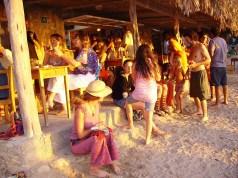 beach-2093555_1920