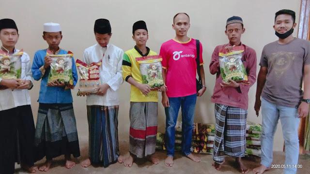 Anteraja Lakukan Aksi Donasi Berbagi Kepada Santri Ponpes Hidayatul Muhsinin