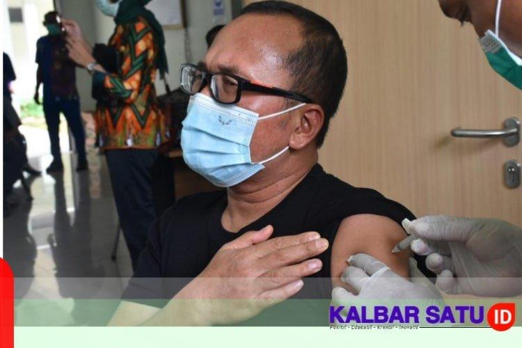 Wabup Sujiwo Imbau Masyarakat Tak Takut Vaksinasi