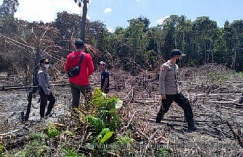 Lahan Seluas 1 Hektare di Kota Singkawang Terbakar