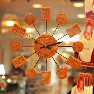 Cracker Clock