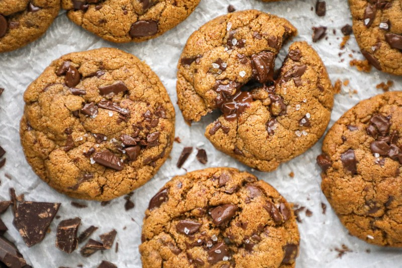 Ready for the best almond butter cookies you'll ever make? This incredibly easy recipe calls for only 7 ingredients and is practically foolproof!