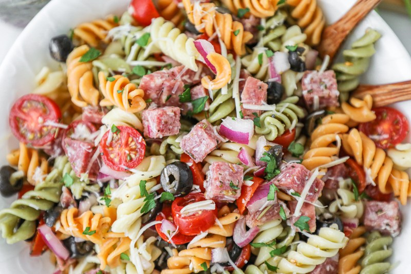 Fresh ingredients, a homemade red wine vinaigrette and it takes no time at all to make! This easy pasta salad is about to become to favorite go-to side dish!