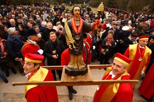 Statues de Saint-Vincent pour les intronisations à la Saint-Vincent tournante 2017 / Photo Jean-Luc Petit
