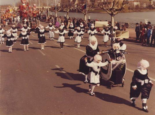 Champforgeuil folies - 1985 - Don Comité des fêtes