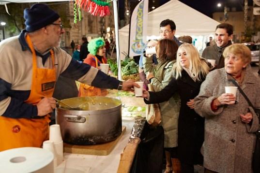 Les soupes servie permettent au chalonnais de se réchauffer du froid