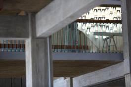 Espace des arts vue depuis le hall sur les rembardes