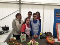Claire Matheo et Vincent et leurs enseignantes veloute de tubercules