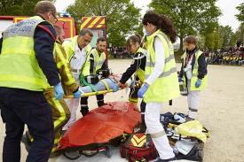 forum-secours-et-sante-2019-simulation-gestes-premiers-secours-pompier