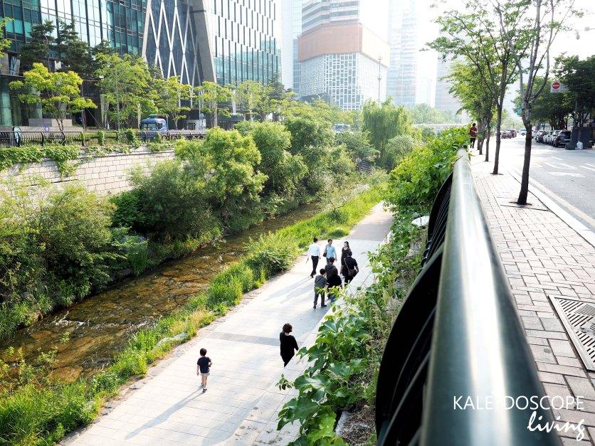 Travel_Korea_Seoul_Insadong_Habok_韓國_首爾_韓服_Cheonggyecheon Stream