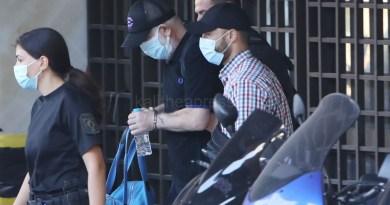 Χωρίς συνοδεία περιπολικών ο Πέτρος Φιλιππίδης έφτασε στις φυλακές Τρίπολης