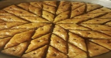 Παραδοσιακή συνταγή της Αρμενίας: Μπακλαβάς με σιρόπι σοκολάτας.