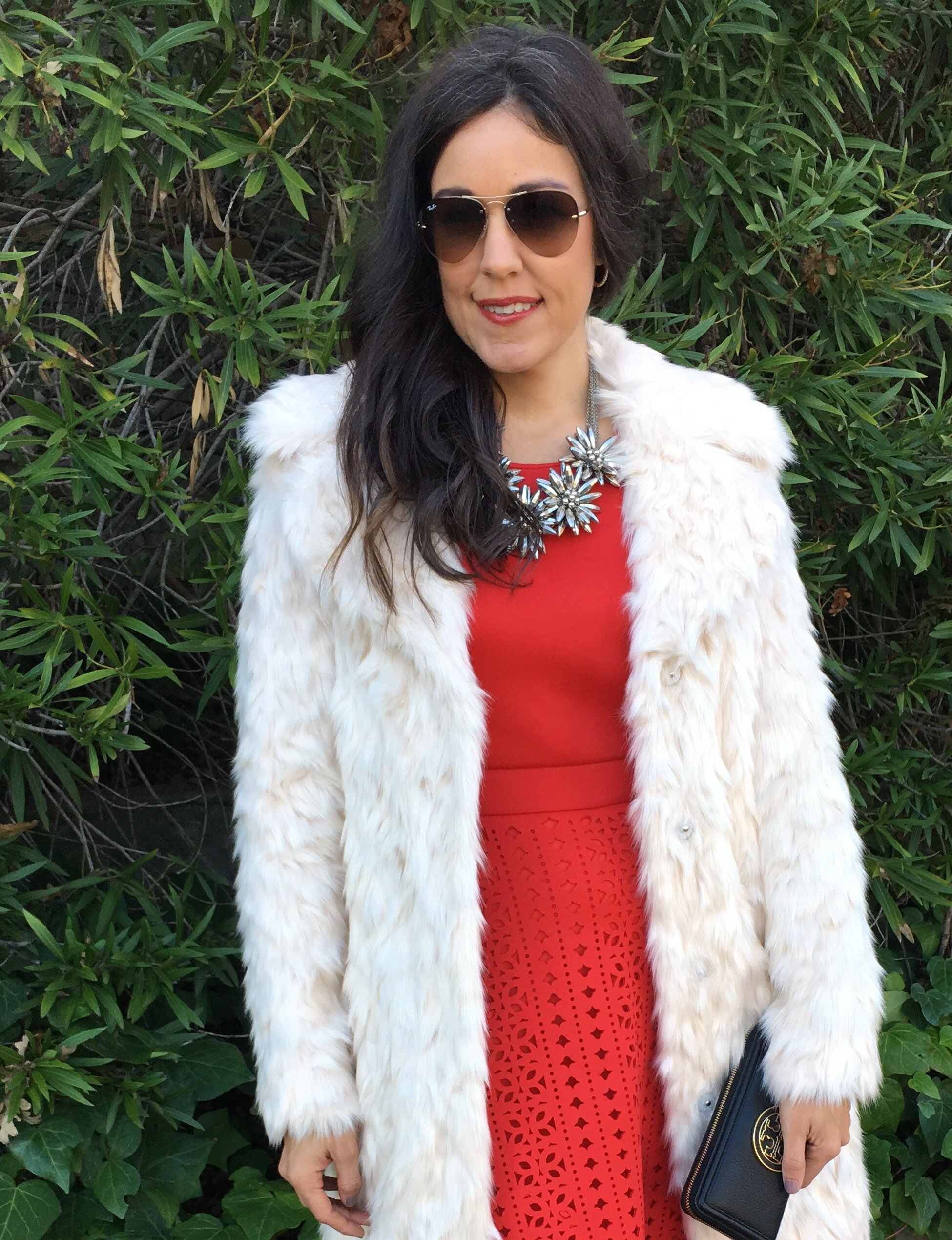 How to style faux fur   fall and winter style   winter fashion tips   holiday outfit ideas   cool weather fashion