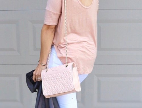 Grey leather jacket outfit, white jeans outfit, pink shoes outfit, date outfit ideas, lunch date look