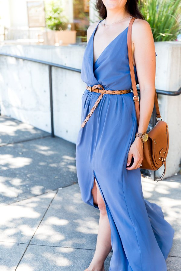 Maxi dress outfit, how to style a maxi dress, blue maxi dress outfit, how to wear a fedora, fedora outfit ideas, casual maxi dresses, belting a maxi dress