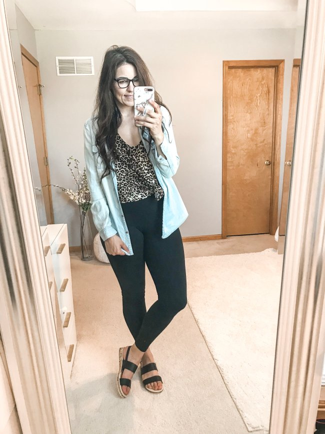simple mom life outfits