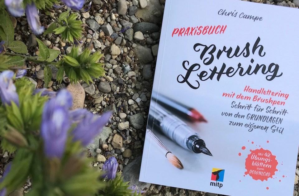 Buchbesprechung – Praxisbuch Brush Lettering