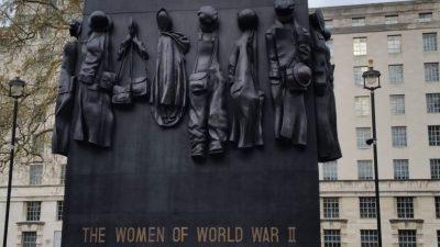 statue Women of World War II Memorial London