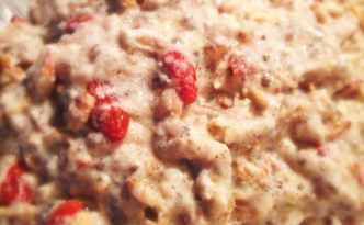 Køleskabsgrød med chia og goji