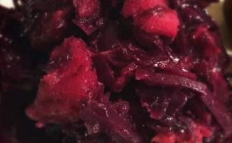Rustik rødkål, med æbler og lakrids (sukkerfri)
