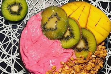 gesundes-kalorienarmes-fruehstueck-Mango-Barbie-Bowl