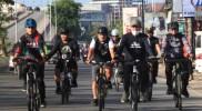 Andi Harun Walikota Samarinda dalam aksi gowes berkeliling kota Samarinda beberapa waktu lalu/ IST