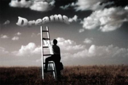 Employee-reaching-for-dreams