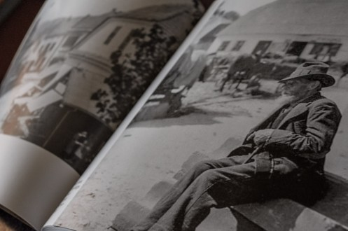 Promocja Książki Kalwaria Zebrzydowska w starej fotografii - CKSiT Kalwaria Zebrzydowska - 24 kwietnia 2019 r. - fot. Andrzej Famielec - Kalwaria 24 IMGP7524