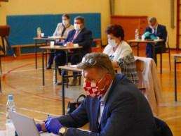 Nietypowa sesja Rady Powiatu Wadowckiego - fot. facebook Powiat Wadowicki