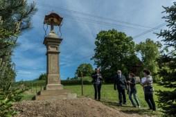 Odbiór kapliczki w Leńczach - 27 maja 2021 r. - fot. Andrzej Famielec - Kalwaria 24-03586
