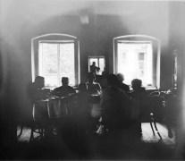 Wnętrze domu w Kalwarii, ok. 1910
