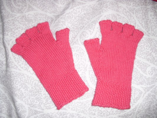 half gloves - adapted free pattern from Knitty (alpaca)