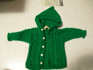 baby sweater - adapted free pattern from DROPS (acrylic / nylon)