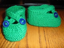 booties - free pattern by Saartje (acrylic / nylon)