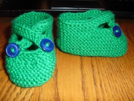 booties - free pattern by Saartje (acrylic / nylon)