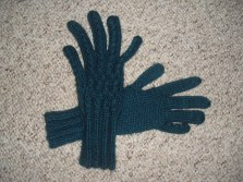 cabled gloves - adapted free pattern from DROPS (alpaca / silk)