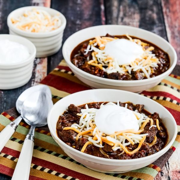 Instant Pot Low-Carb All-Beef Ancho y Anaheim Chili se encuentran en KalynsKitchen.com