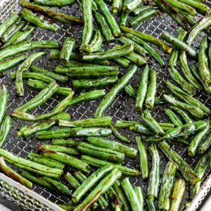 close-up photo Easy Air Fryer Asian Green Beans